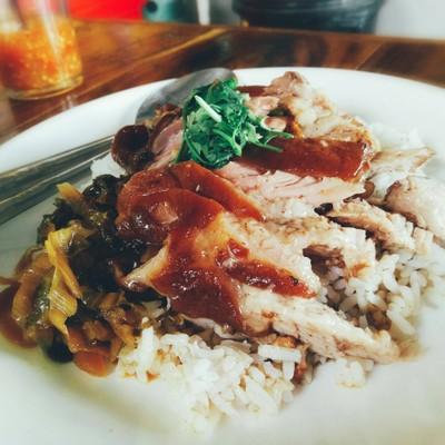 ข้าวขาหมู เจ๊หลิว เฮง เฮง (Heng Hrng)