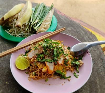 บะหมี่เหลืองผัดไทย วังหว้า