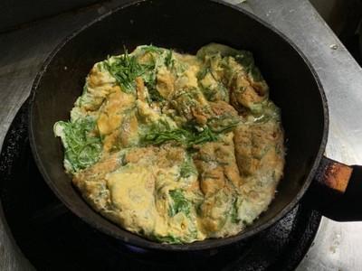 วิธีทำ ไข่ชะอมไม่ลอยแพ