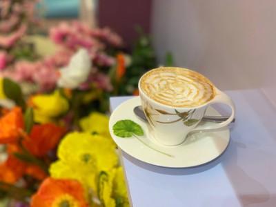 Fairy Bloom Flower Coffee & Restaurant (แฟรี่ บลูม ฟลาวเวอร์ คอฟฟี่ แอนด์ เรสเตอรองค์)