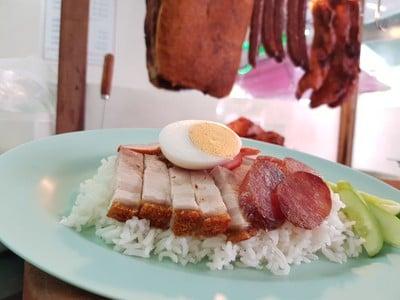หมูแดง (Mu Daeng Restaurant) โชคชัย4