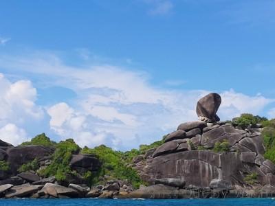 เกาะสิมิลัน (เกาะแปด)