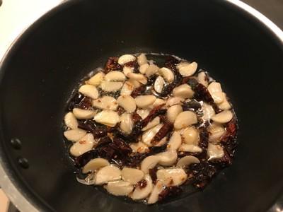 วิธีทำ สปาเก็ตตี้ไส้กรอกพริก