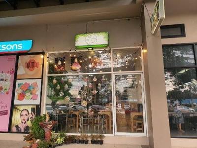 ต้นรักคาเฟ่ (Tonrak cafe)