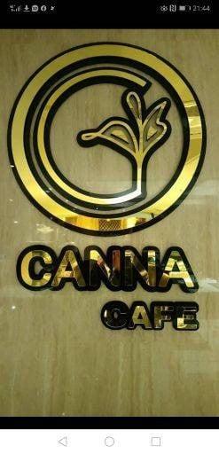 Canna cafe (แคนนา คาเฟ่ สาทร)