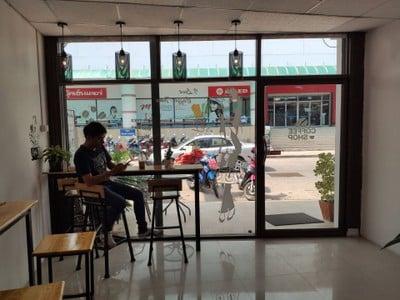 ร้านกาแฟสี่ขุนเขา (กาแฟสี่ขุนเขา) ข้างฟรายเดย์