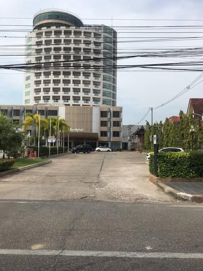 โรงแรมริเวอร์ซิตี้ (River City Hotel)