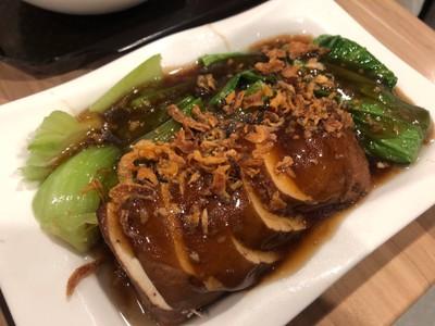 หยูกี่ ข้าวมันไก่ ไหหลำ (Yuekee Hainanese Chicken Rice)