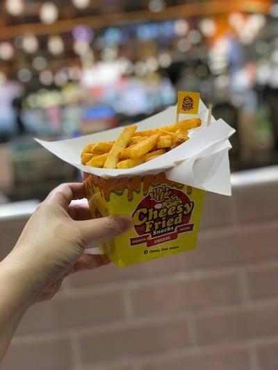Cheesy Fries  เกตเวย์ บางซื่อ