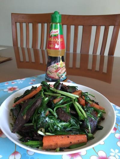 ผัดผักกุ้ยช่ายใส่ตับ