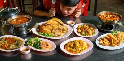 """""""ชัยโภชนา"""" ร้านอาหารไทยสารพัดเมนูปลา ทั้งต้ม ยำ แกง ทอด!"""