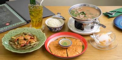 อาหารไทยแท้ต้นตำรับ ใจกลางสุขุมวิท!