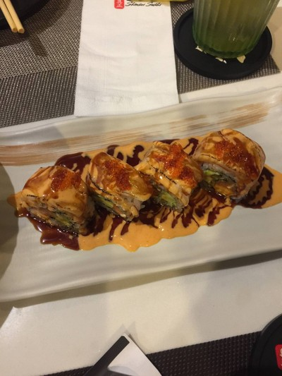salmon hotate roll