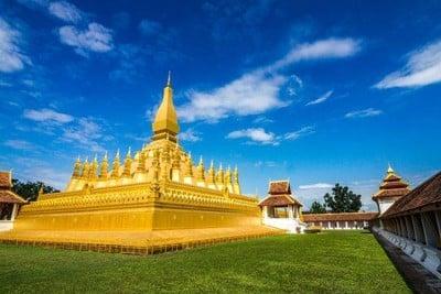 รีวิว พระธาตุหลวง เวียงจันทน์ - เป็นสถานที่สักการะสิ่งศักดิ์สิทธิ์อีกที่ของ เวียงจันทร์ที่ต้องมา - Wongnai