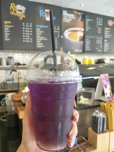อัญชัญโมฮิโต้ • แก้วละ 9.- บาท ที่ ร้านอาหาร deli cafe'  Shell Rama 9