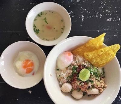 โกวนัน อาหารตามสั่ง 24 ชั่วโมง (Gownan Street Food 24Hrs) เสนานิคม (Delivery by วังหิน)