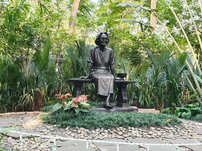 อุทยานเฉลิมพระเกียรติสมเด็จพระศรีนครินทราบรมราชชนนี (Princess Mother Memorial Park)