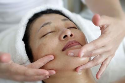 ดีลสปา Body Scrub + Aroma Oil Massage + Face treatment