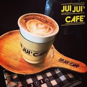 จุ๋ยจุ๋ยคาเฟ่ (JUIJUI's CAFE') หัวมุมซอยพหลโยธิน40