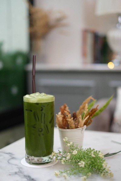 Iced matcha with water