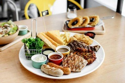 Hungry Nerd Steak &  Pasta (ฮังกรี้เนิร์ด สเต็กแอนด์พาสต้า) ราชเทวี