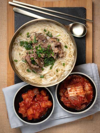 Shell We Meat- All You Can Eat Korean food อาหารเกาหลี ปูดองซีอิ๊วเกาหลี (เชลล์ วี มีท)