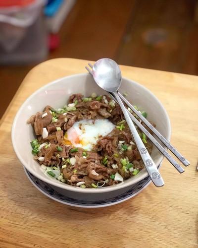WFH Kitchen: ข้าวหน้าหมู ไข่ออนเซ็น (Butadon)