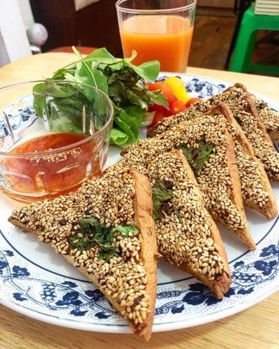 WFH Kitchen: ขนมปังหน้าหมู-กุ้งสไตล์จีน