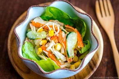 สลัดปูสไตล์ญี่ปุ่น (Japanese Kani Salad)