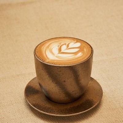 Cafe DoiTung (คาเฟ่ดอยตุง) จามจุรีสแควร์