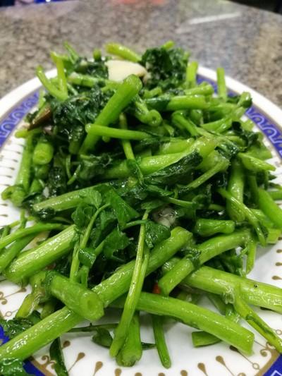 ผัดผักน้ำเบตง