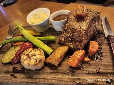 Succulent Braised Beef Short Rib
