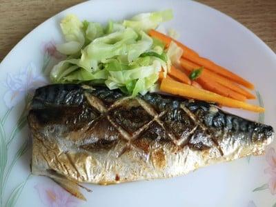ข้าวปลาซาบะย่างเกลือ