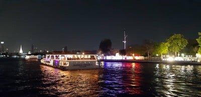 แสงสีสองฝั่งแม่น้ำเจ้าพระยา