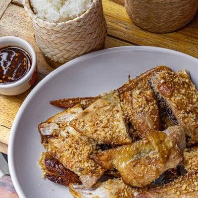 พาสาน ไก่ย่างเตาถ่าน (Pazan Chicken)