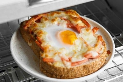 Easy Bolona and Cheese Toast