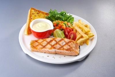 สเต็กปลาแซลมอนย่าง