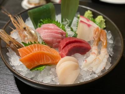 Sashimi Selection 5 pc