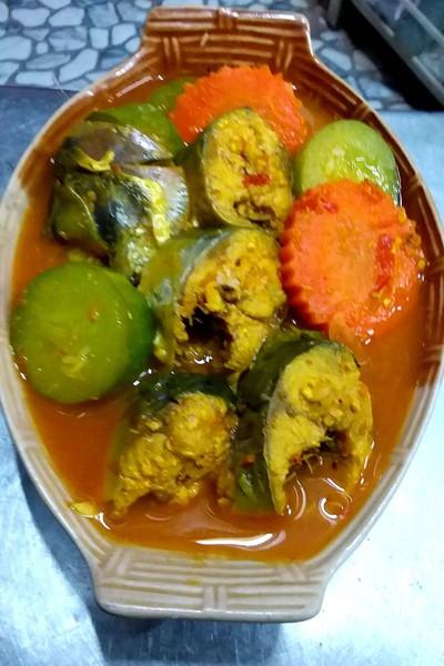 แกงส้มปลาซาบะแตงกวามะขามสด