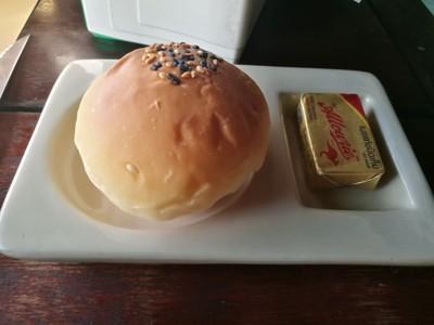 ขนมปังเคียง ไว้ทานคู่สเต้ก