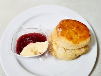 Plain scone (Clotted cream and strawberry jam)