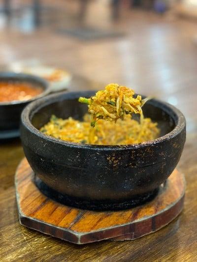 ร้านอาหารเกาหลีสุระกัน (SURAKAN KOREA RESTAURANT)