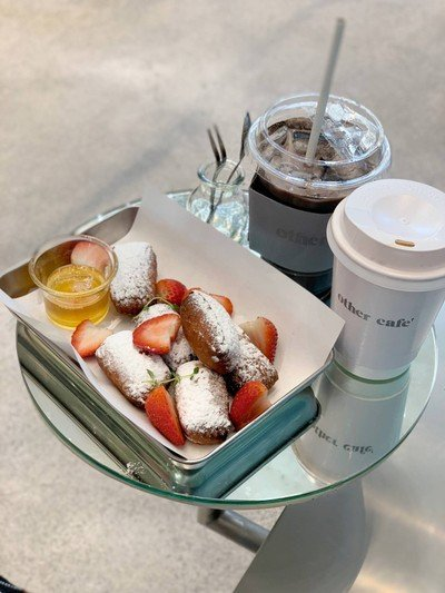 Beignets + Strawberry