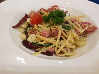 Bacon Garlic & Dried Chilli Linguine
