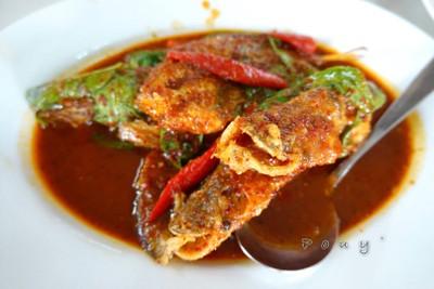 ปลาเนื้ออ่อนพริกแดง