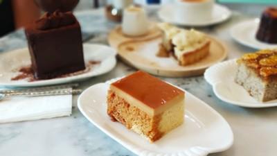 Custard chiffon cake