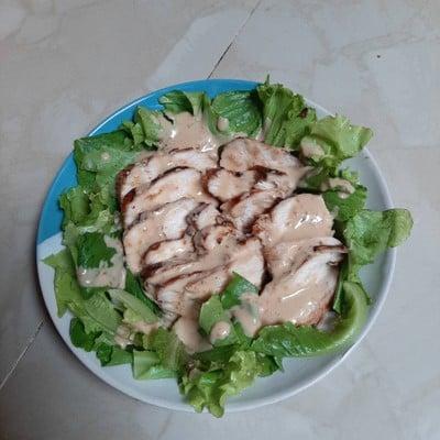 สลัดอกไก่พริกไทยดำ