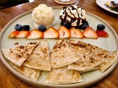 Roti(Oil Free) With Macademia Ice Cream