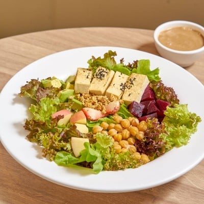 Jones' Salad (โจนส์ สลัด) La Villa Ari