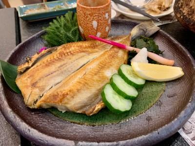 ปลาฮอกเกะย่างเกลือ